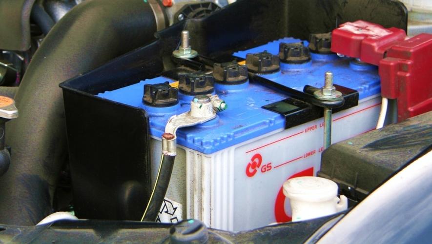 كيفية اصلاح وصيانة بطارية السيارة السائلة التالفة